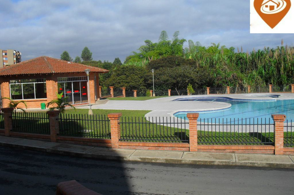 PISCINA CAMPO REAL 103 D